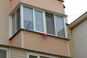 Классическое остекление балконов в Севастополе