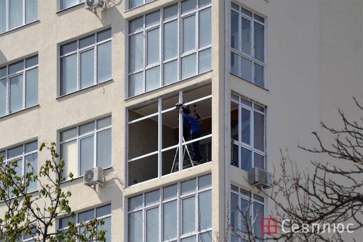 Пластиковые окна в Севастополе. Севплюс. Остекление квартиры в Артбухте