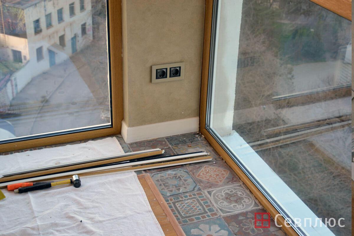 Пластиковые окна в Севастополе. Севплюс. Остекление квартиры в Артбухте. Еще несколько часов назад здесь были совершенно другие конструкции